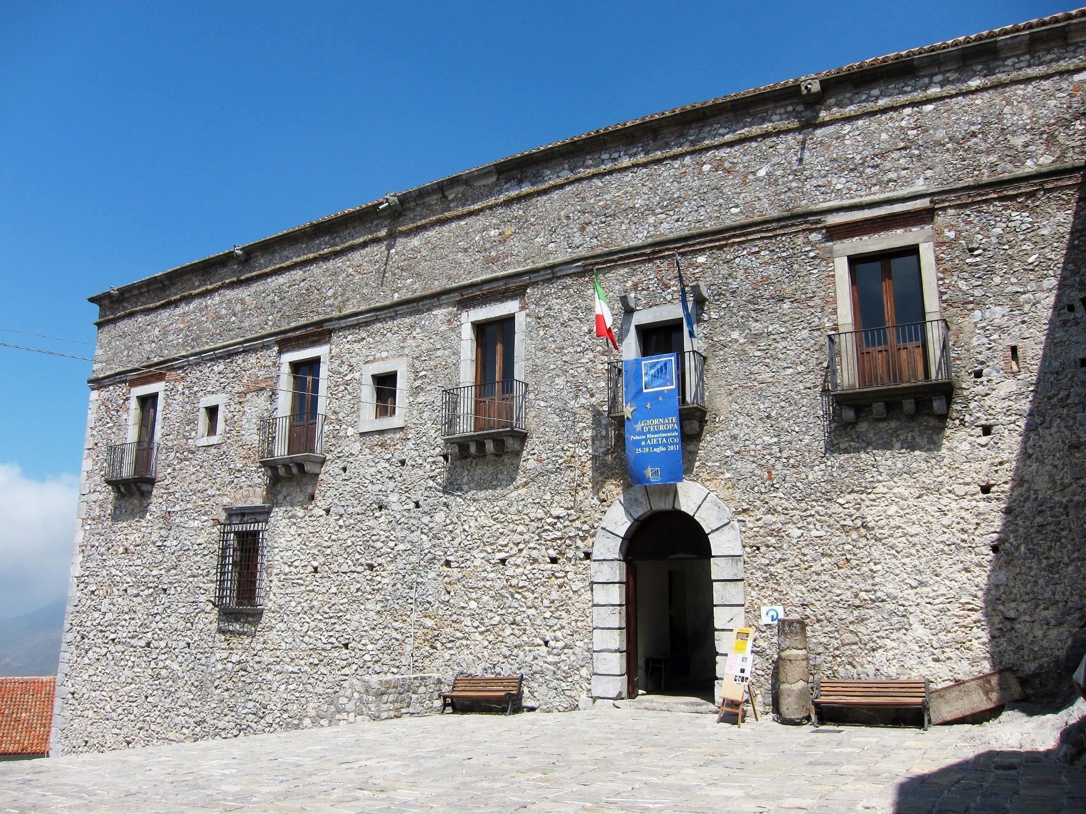 Aieta - Palazzo Rinascimentale