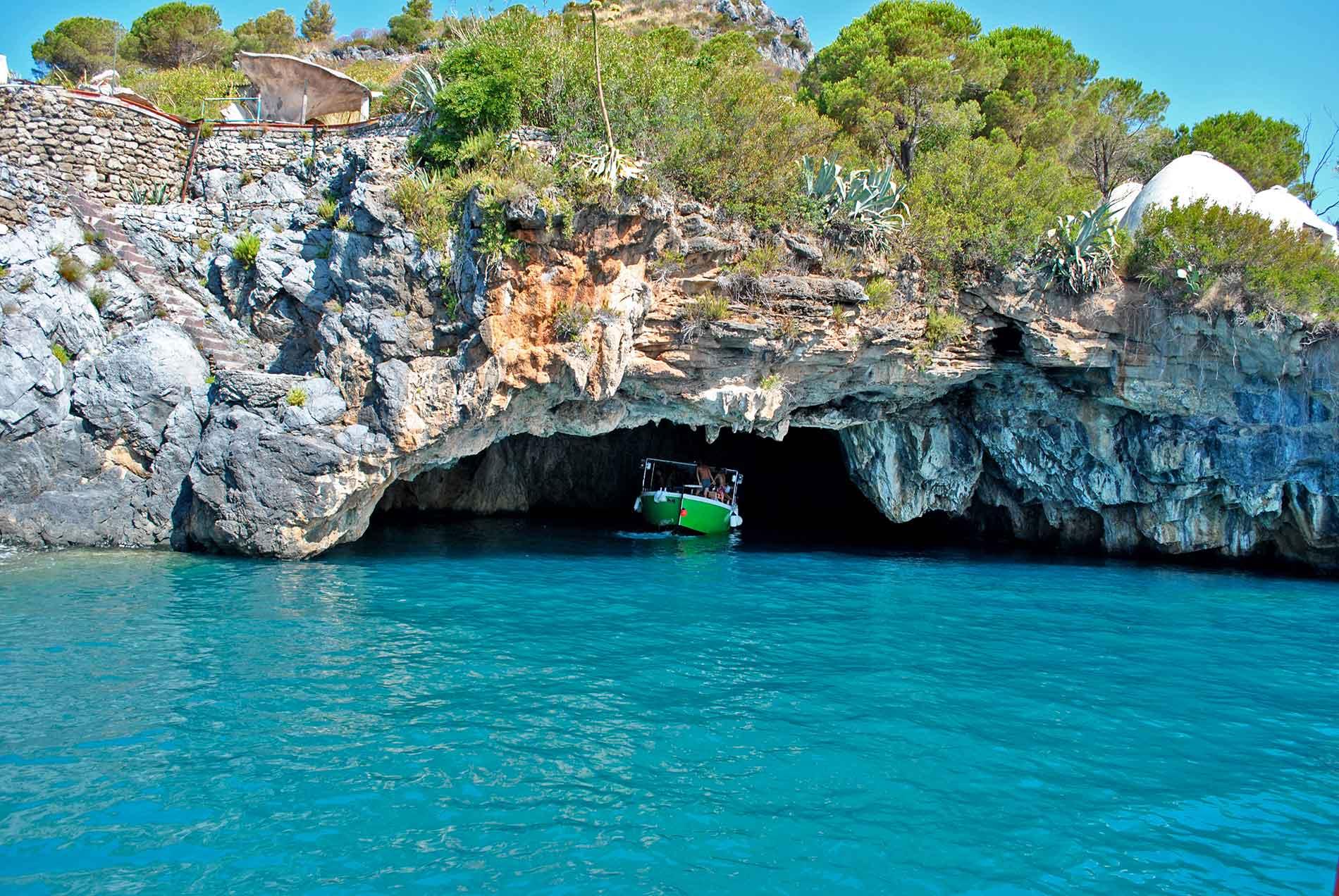 Grotta del Leone - Entrata